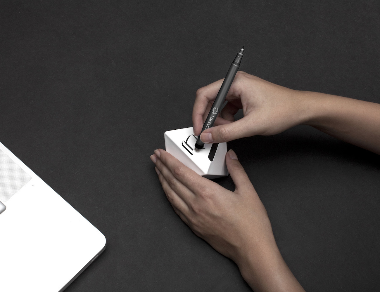 Track Your Time With The Roll Of A Dice